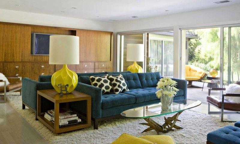 Интересные способы объединения дивана, стола и стульев