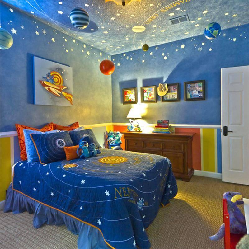 Детские фотообои (77 фото): обои с картой мира в комнату для детей, черно-белые модели 3d с деревьями для стен в интерьере
