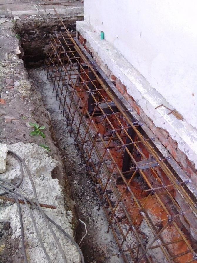 Ремонт фундамента кирпичного частного дома своими руками, укрепление и усиление — remont-om