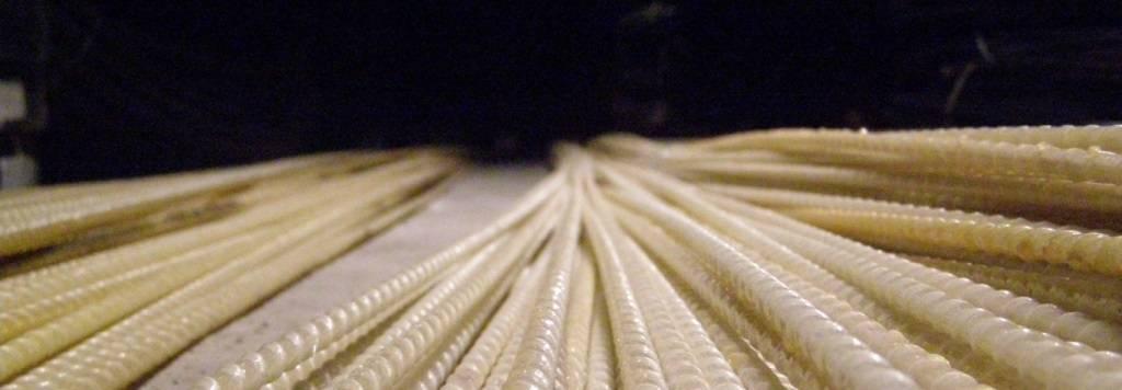 Композитная стеклопластиковая арматура: цена за погонный метр, отзывы специалистов, плюсы и минусы, применение, сравнение с металлической, характеристики