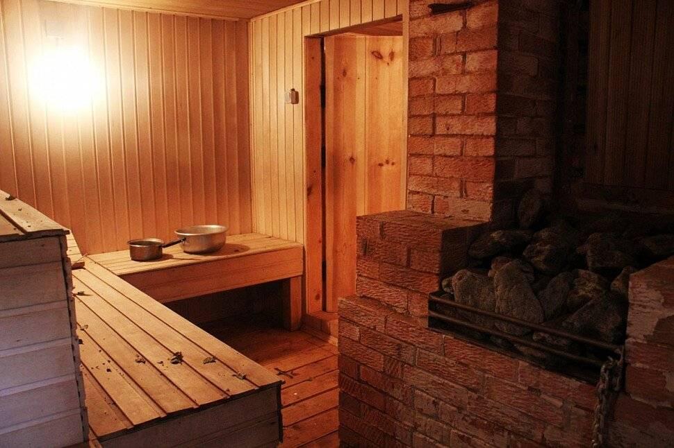 Баня на дровах. чем полезна и отличается от других типов растопки.