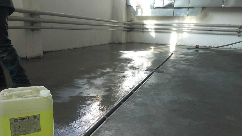 Как правильно провести железнение бетонной отмостки своими руками?