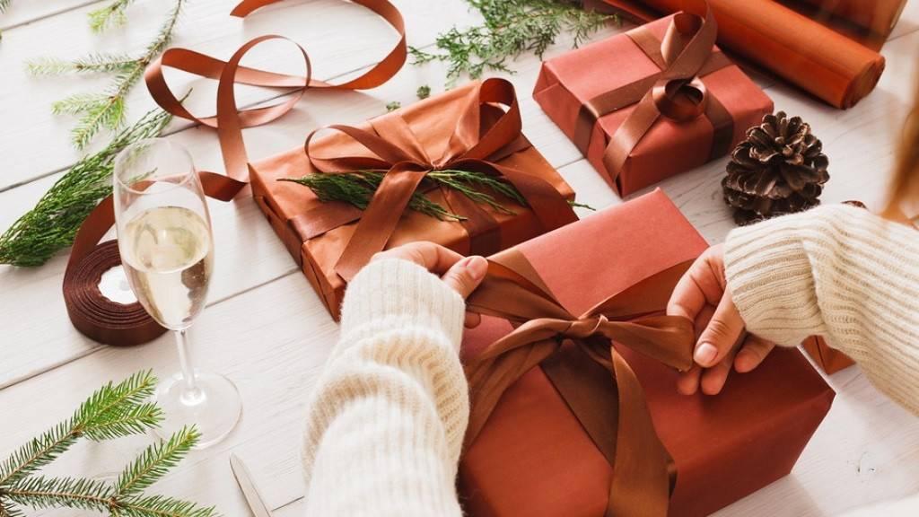Оригинальные способы вручения подарков     материнство - беременность, роды, питание, воспитание