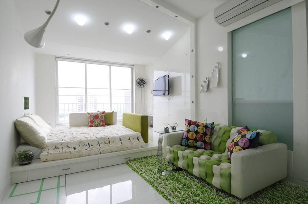 Диваны для спальни (47 фото): дизайн угловых раскладных моделей, маленькие современные диванчики 2021 в интерьере