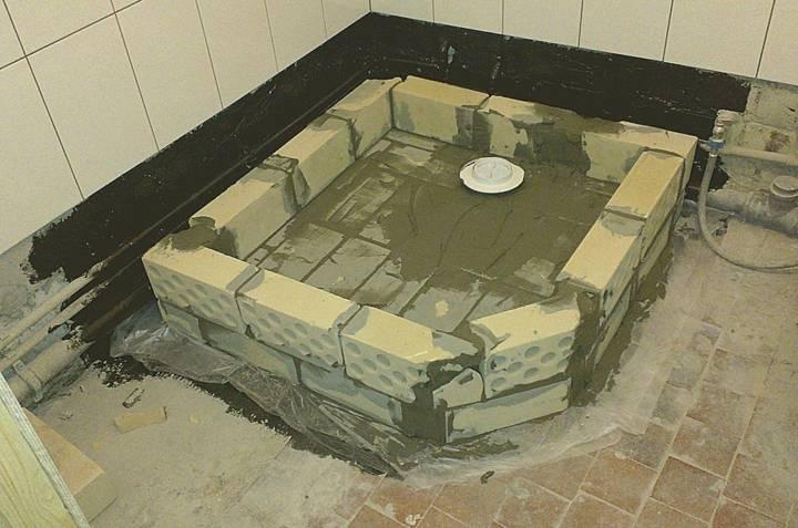 Поддон для душа своими руками - из плитки, бетона и кирпича и другие виды, пошаговая инструкция по изготовлению и установке