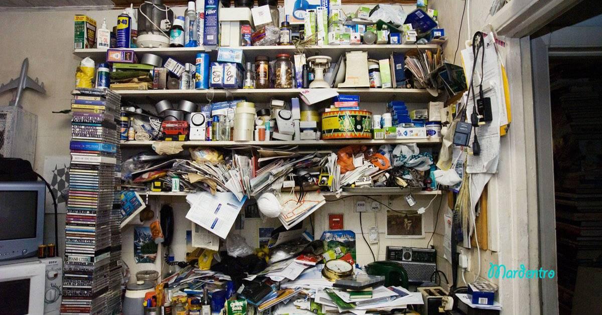 Оставить или выкинуть старые вещи? что с ними можно сделать