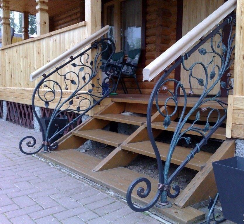 Виды и особенности лестниц из металла