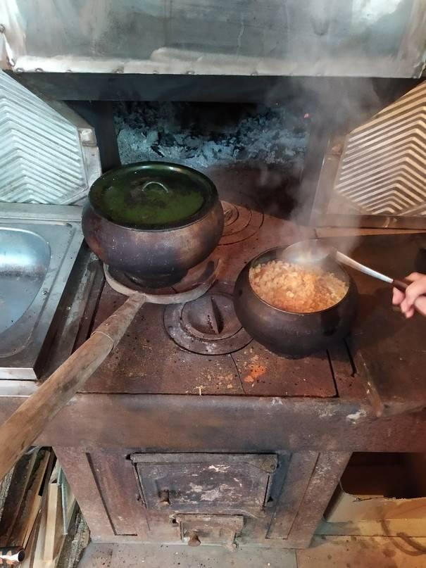 Как подготовить чугунную сковороду перед первым применением с помощью прокаливания