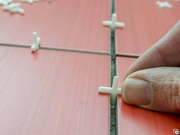 Крестики для плитки - важный элемент профессиональной кладки