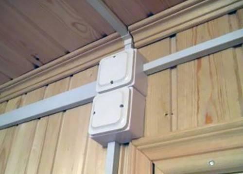 Монтаж кабельных каналов: как крепить на стену из бетона