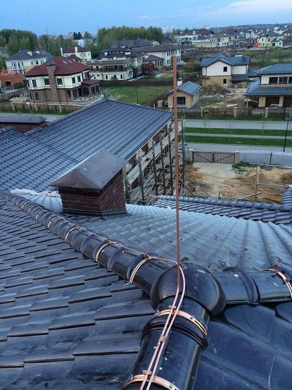 Молниезащита дома с металлической крышей