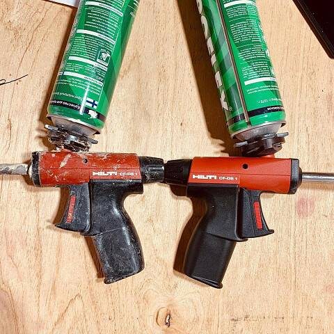 Как почистить пистолет для монтажной пены: промывка от засохшей пены, чем почистить