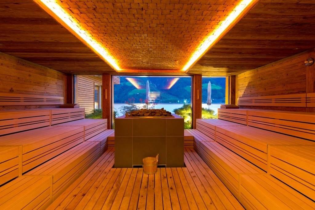 Бани с панорамными окнами (36 фото): строительство сауны с большими окнами, проекты модульных и других бань-домов с окнами в парилке и в комнате отдыха