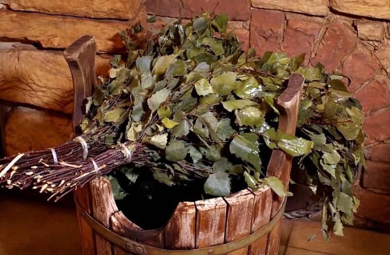 Как запарить дубовый веник для бани