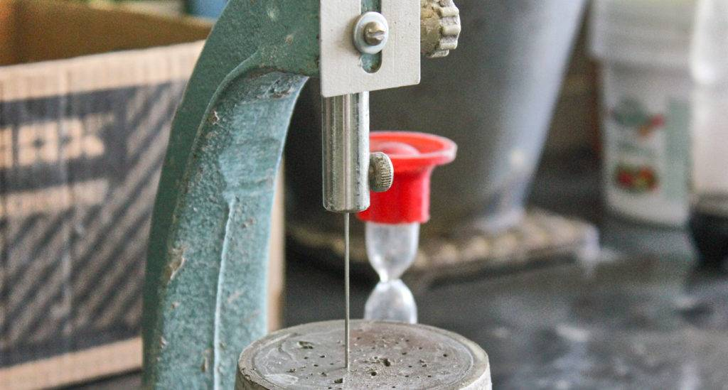 Как проверить качество цемента в домашних условиях?