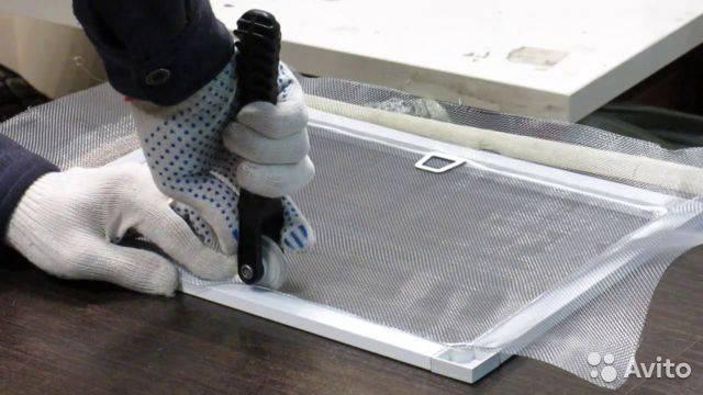 Как установить москитную сетку на пластиковое окно? 25 фото