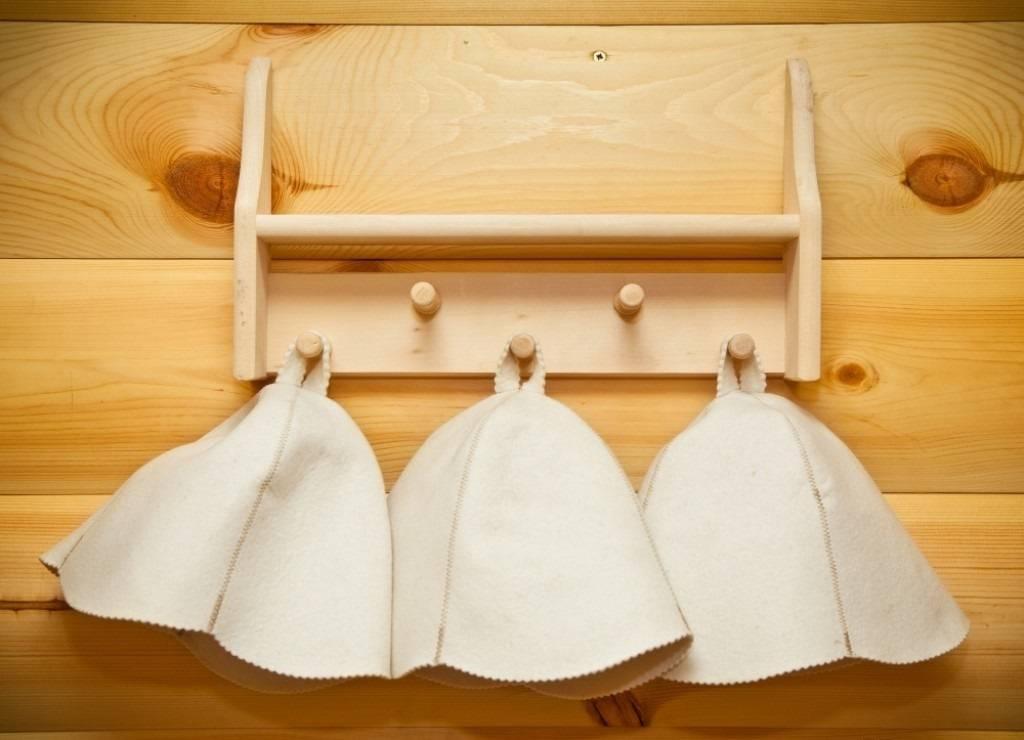 Вешалка в баню из дерева своими руками - лучшие идеи и инструкции