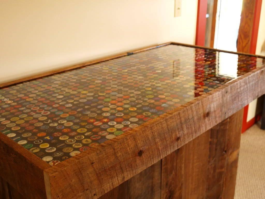 Из чего сделать мозаику на столе, или не выбрасывайте битую посуду