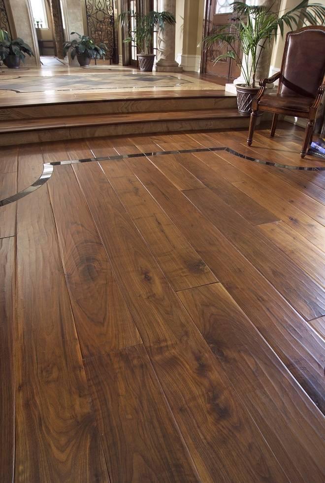 Деревянный пол из лиственницы, особенности монтажа и ухода