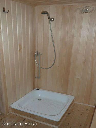 Стационарный и переносной душ для бани: обзор вариантов