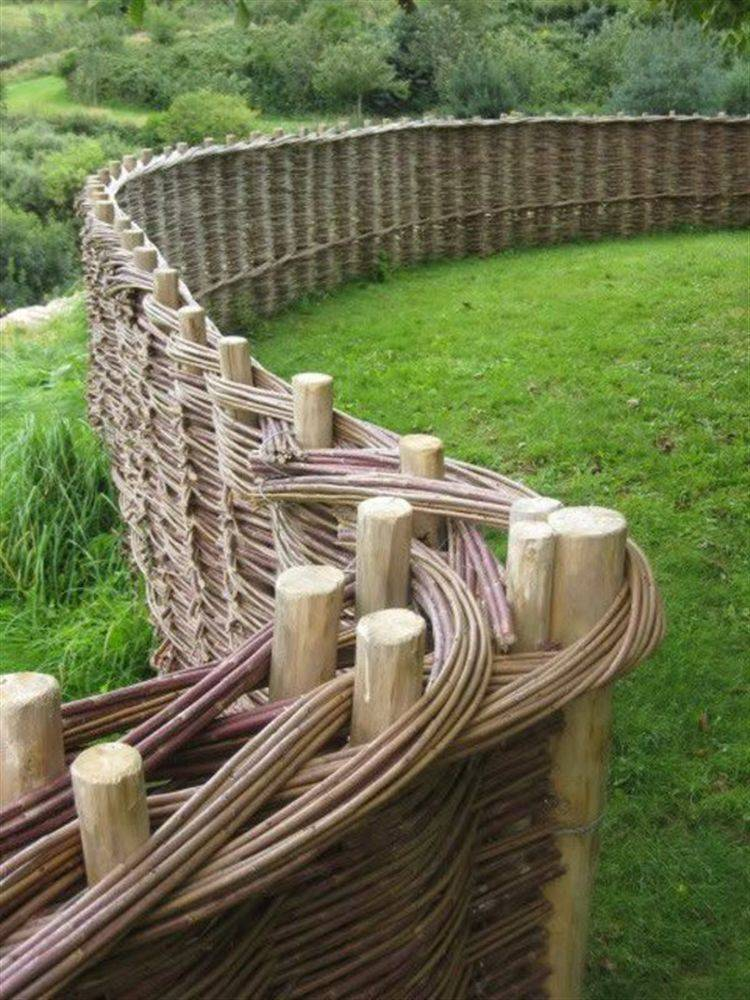 Забор из лозы своими руками - узнайте особенности плетенного забора