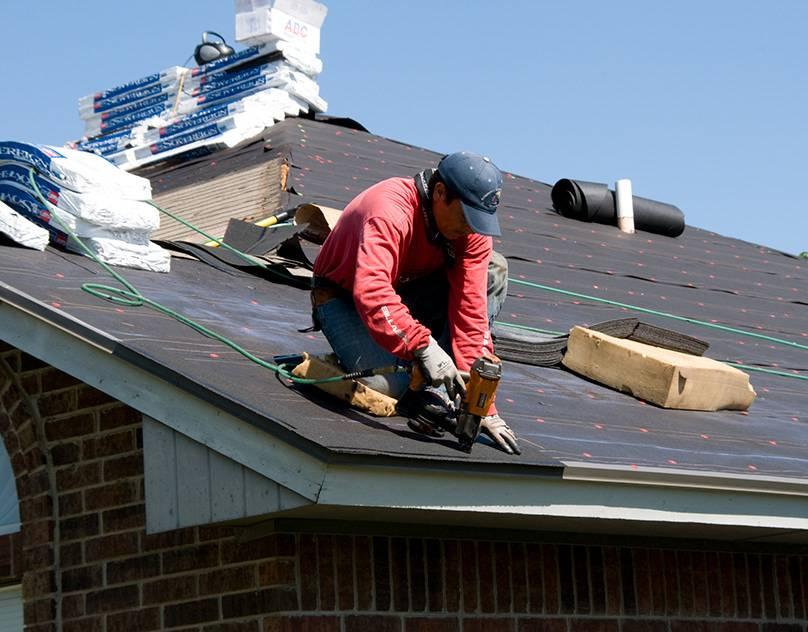 Чем покрыть крышу дома — недорого и качественностройкод
