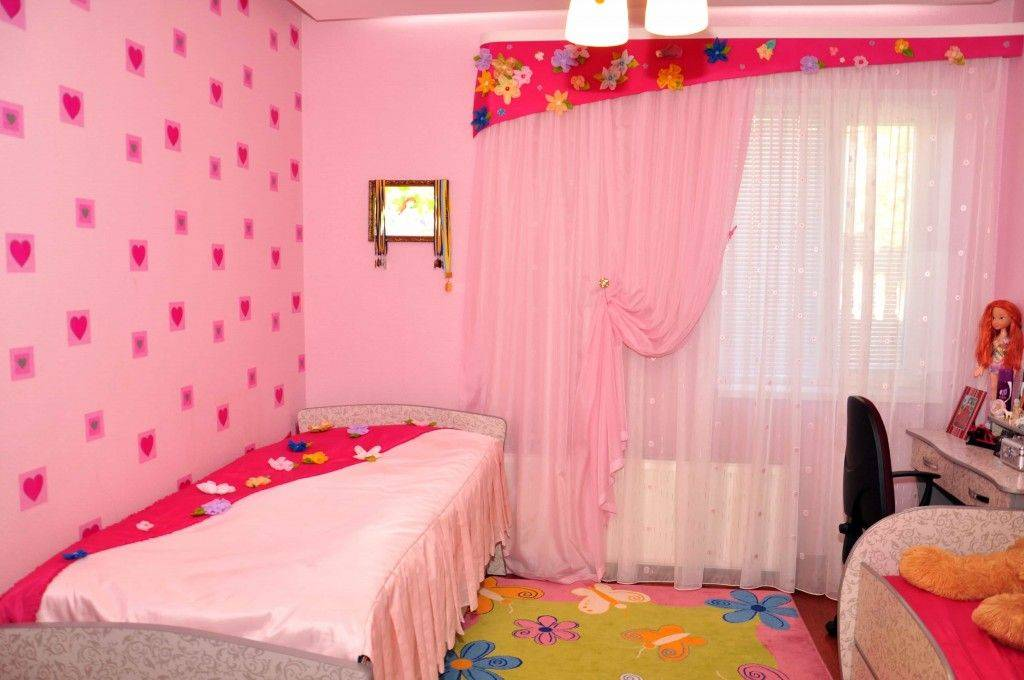 Шторы в детскую комнату: 12 советов по оформлению пространства у окна