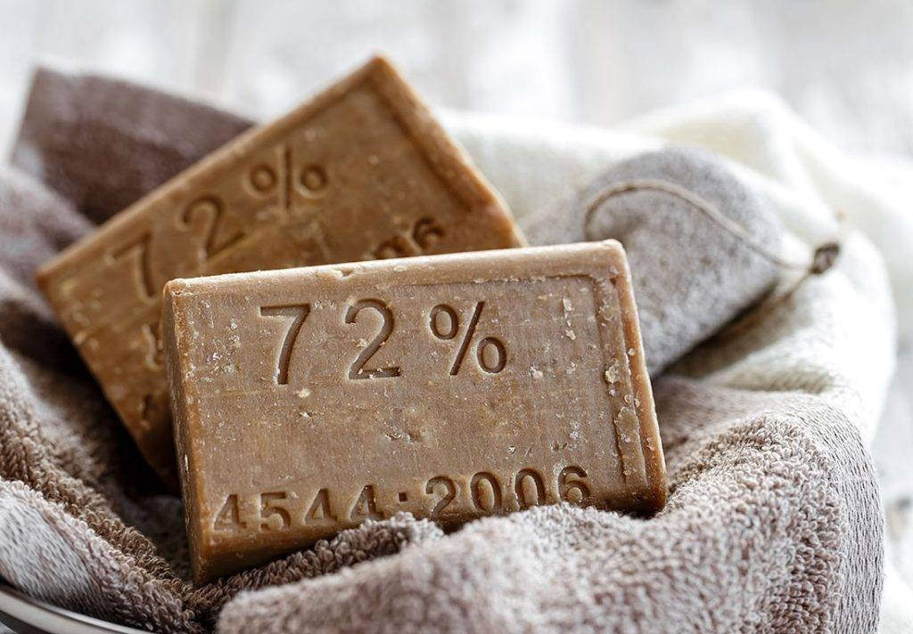 Из чего и как делают хозяйственное мыло: состав, как сделать самодельное в домашних условиях