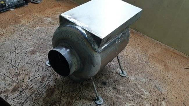 Печь из газового баллона с варочной плитой и водонагревателем