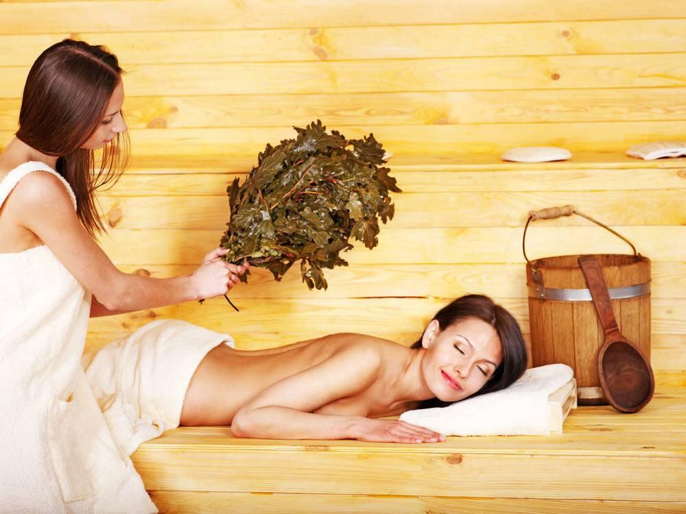 Когда можно мыться и париться в бане после естественных родов и кесарева сечения?