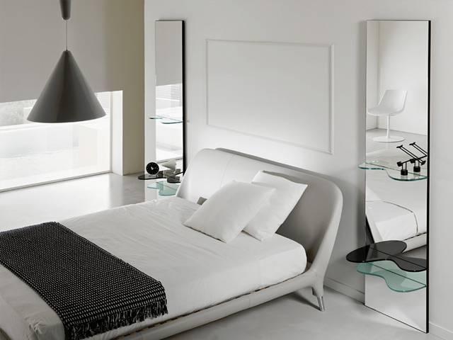 Зеркало в спальне - 65 фото интерьеров