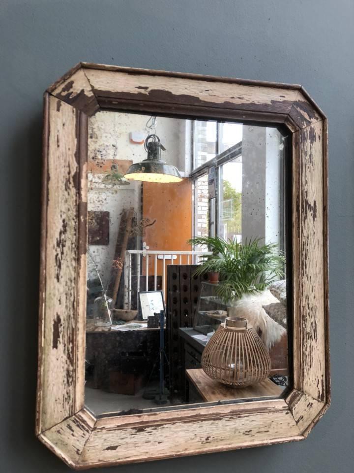 Почему следует заменять старые деревянные рамы, а не заниматься их ремонтом