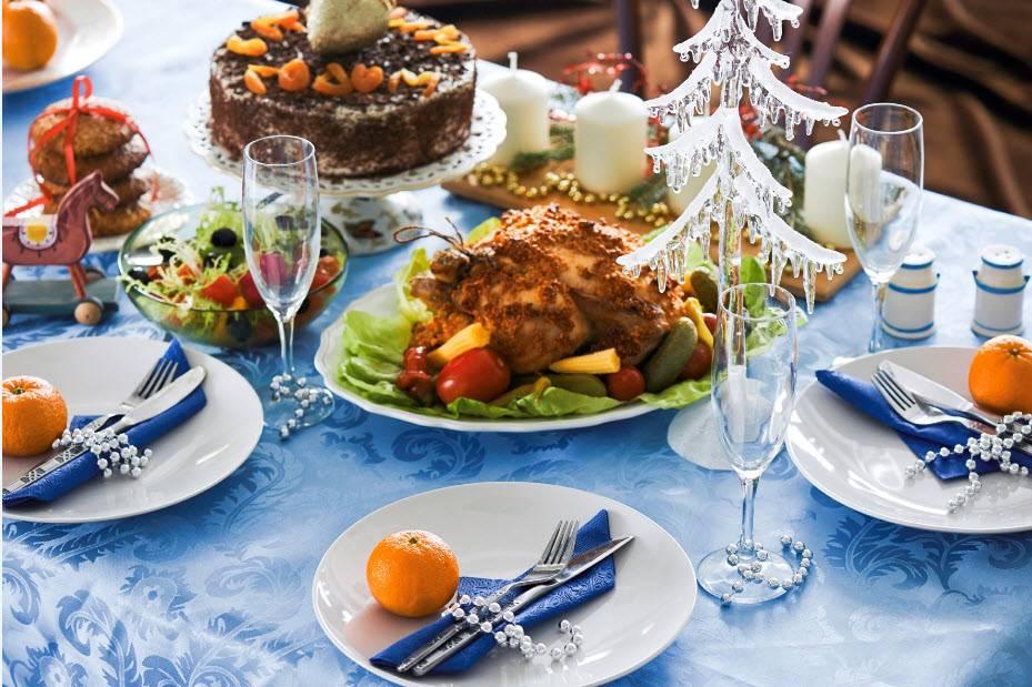 Как накрыть новогодний стол недорого к празднованию 2019 года