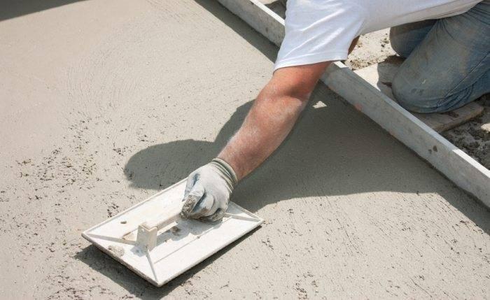 Как железнить бетонный пол цементом