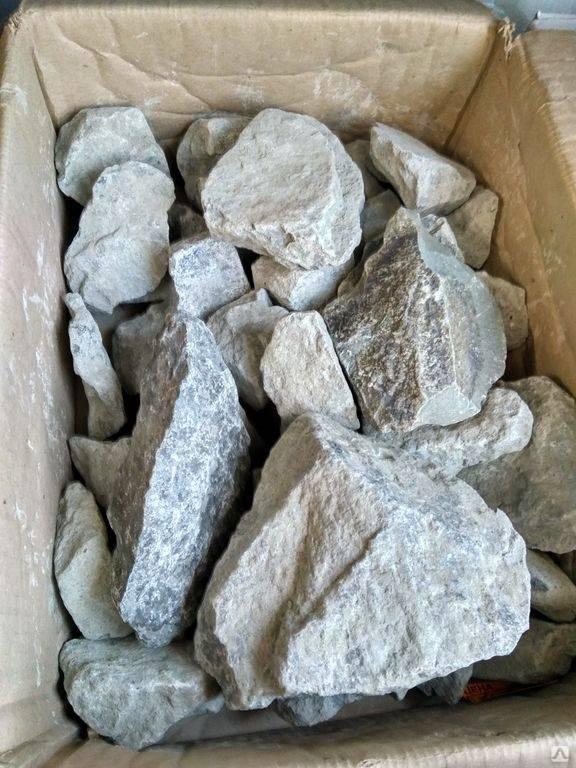 Малиновый кварцит: свойства, применение, выбор камней