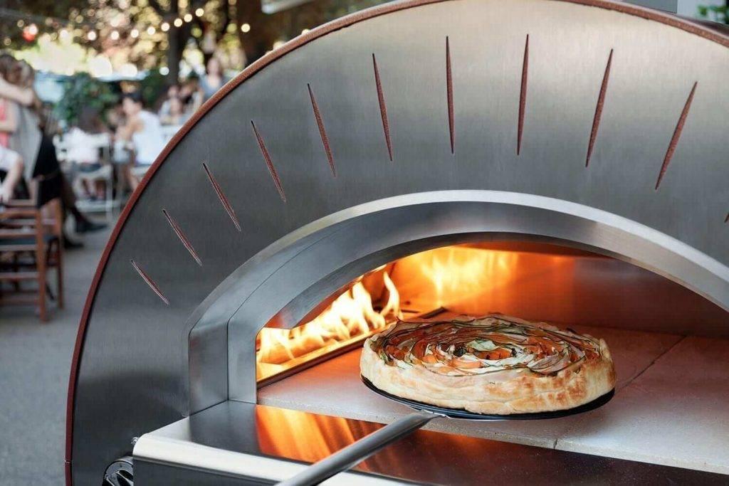 Какую выбрать печь для пиццы на дровах?