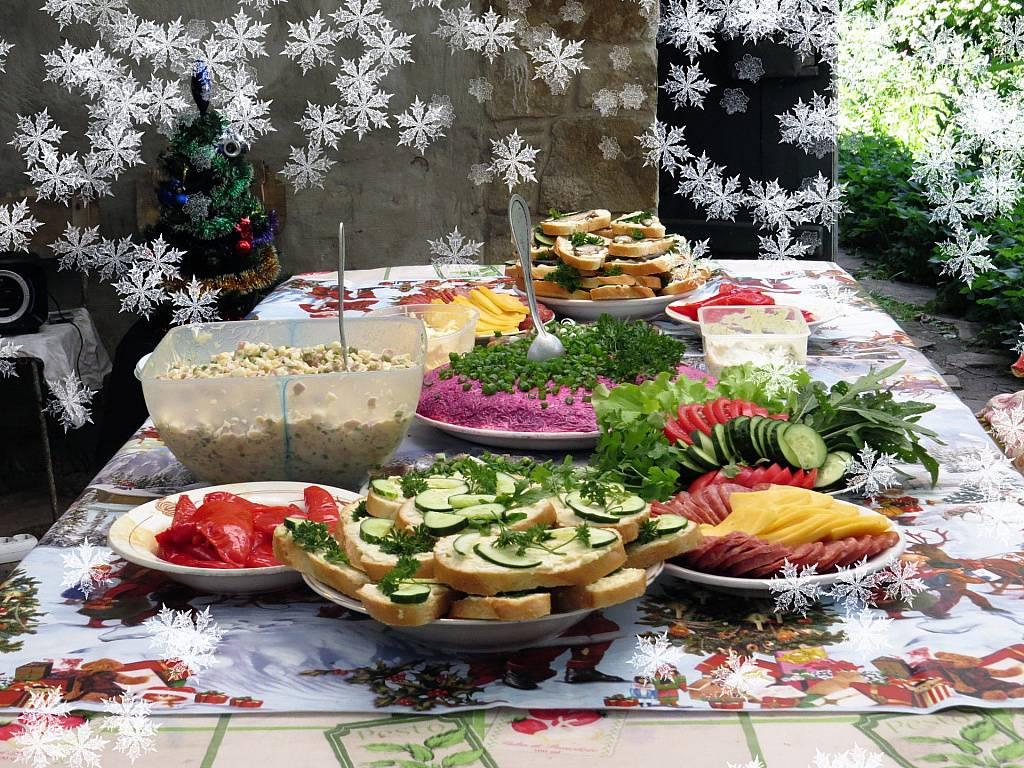 10 новогодних блюд, от которых надо отказаться ради здоровья зубов