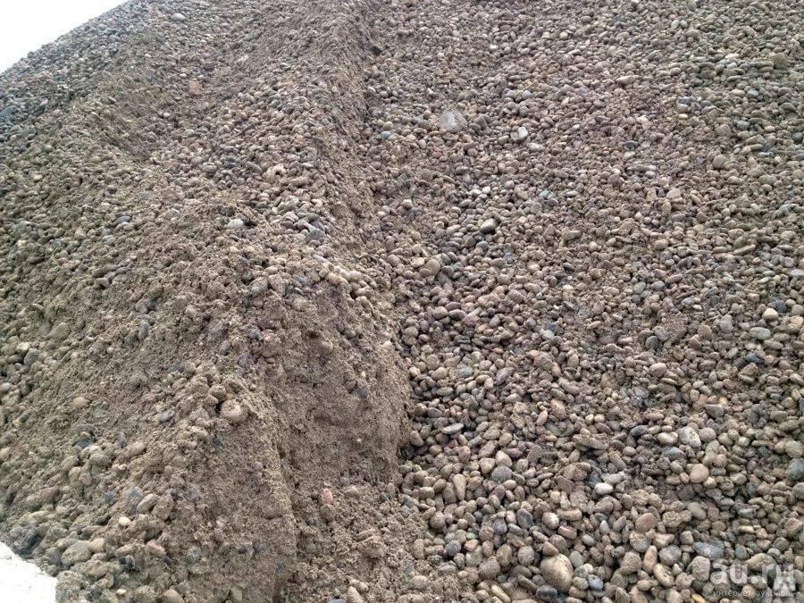 Что лучше выбрать для бетона: гравий или щебень?