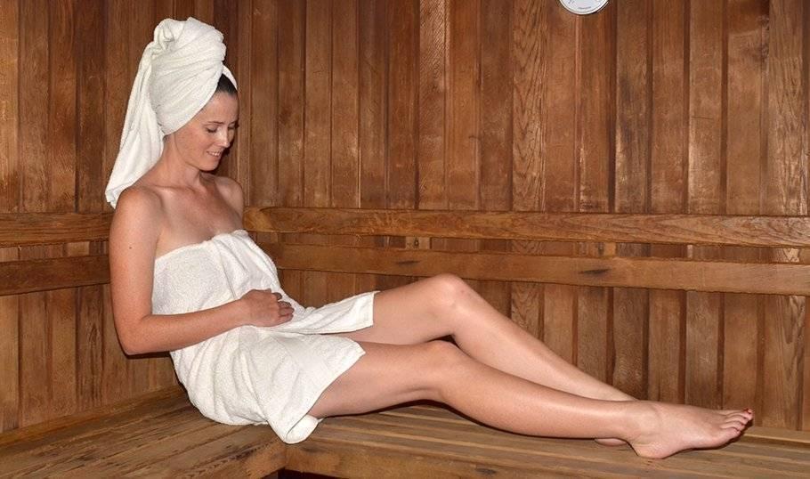 Можно ли беременным ходить в баню и что учесть?