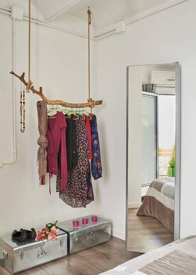 Как хранить одежду без шкафа – 5 способов