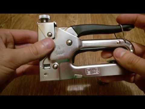 Как заправить строительный степлер скобами. как заправить, зарядить степлер канцелярский скобами для бумаги? как открыть большой и маленький степлер для бумаги, чтобы вставить скобы? как вставлять скр
