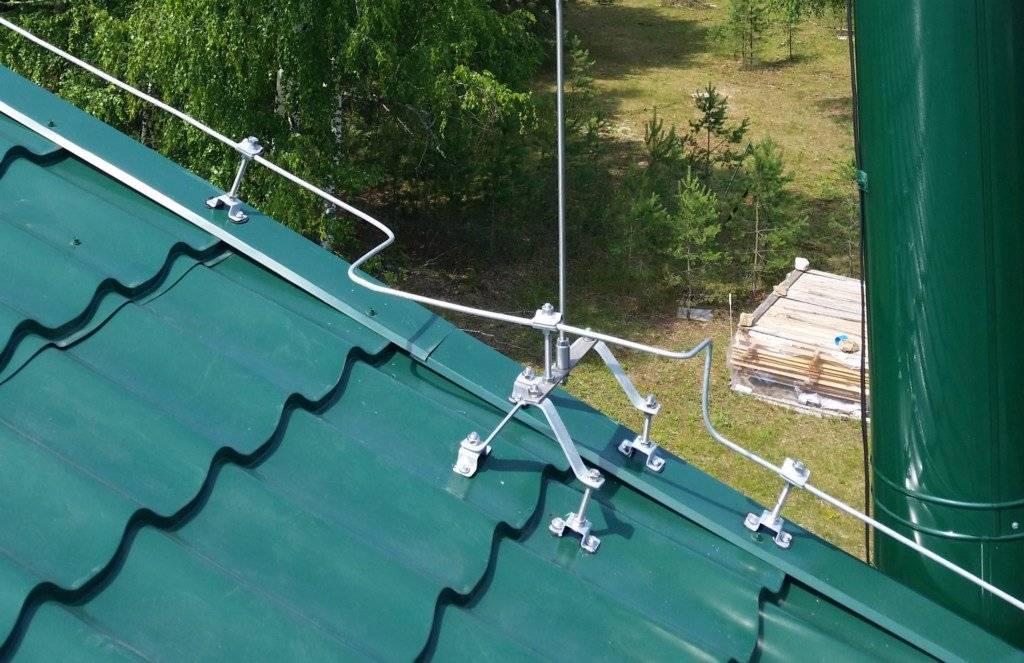 Фальцевая крыша – особенности монтажа и ремонта кровельного покрытия