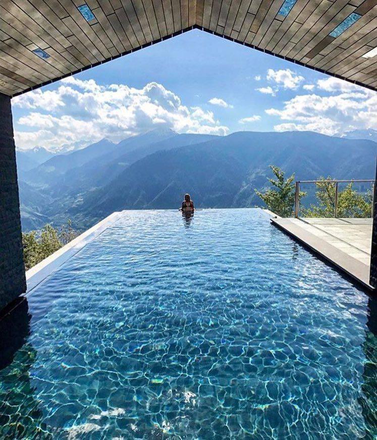 10 самых красивых бассейнов в мире: фото