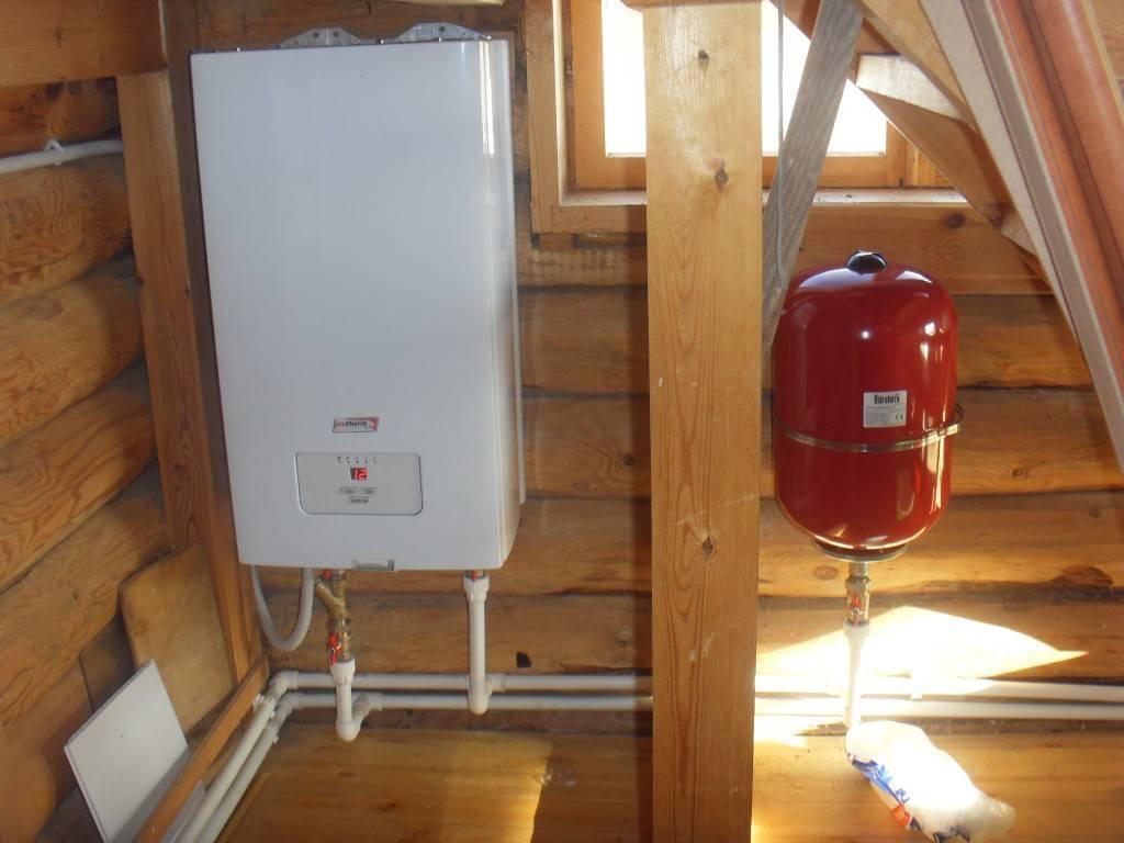 Комфортная температура и горячая вода — это заслуга электрического котла и бойлера косвенного нагрева