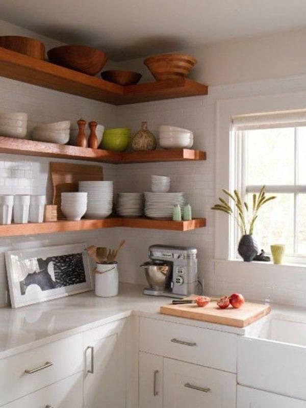 Угловые кухни с окном (55 фото): дизайн кухни в частном доме с окном в рабочей зоне, нюансы размещения кухонного гарнитура с мойкой вдоль окна