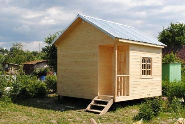 Баня из досок на даче своими руками: простые и дешёвые варианты построек.