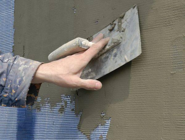 Штукатурка по пеноплексу снаружи дома и внутри помещения: можно ли делать дополнительное утепление фасада, как правильно проводить работу своими руками?