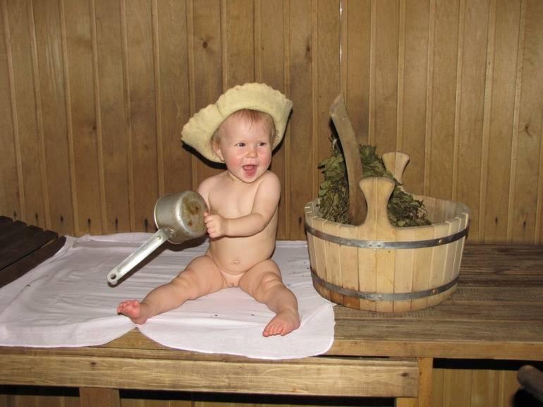 Дети в бане: с какого возраста брать ребенка в сауну