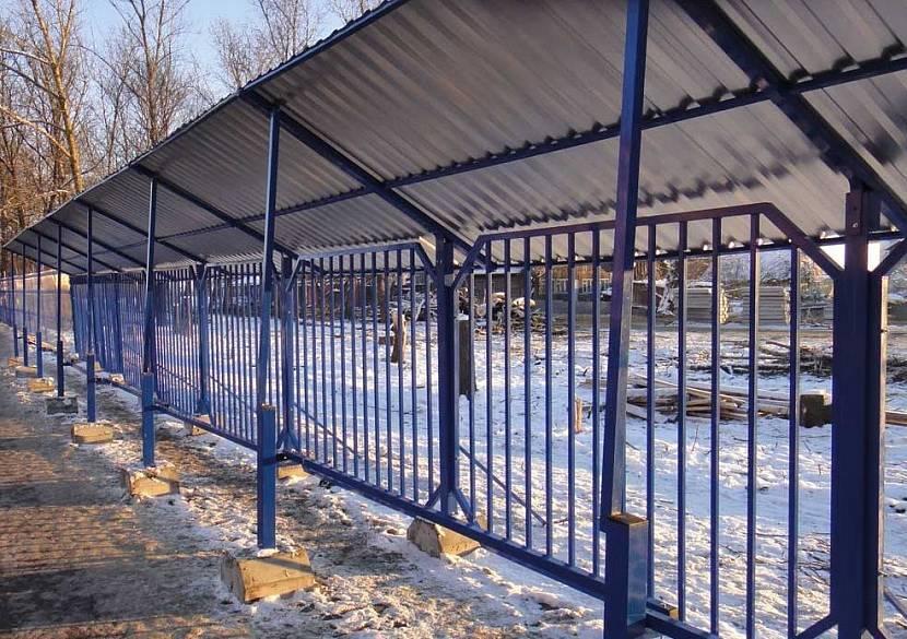 Забор (ограда) из частокола своими руками: что это такое, как сделать