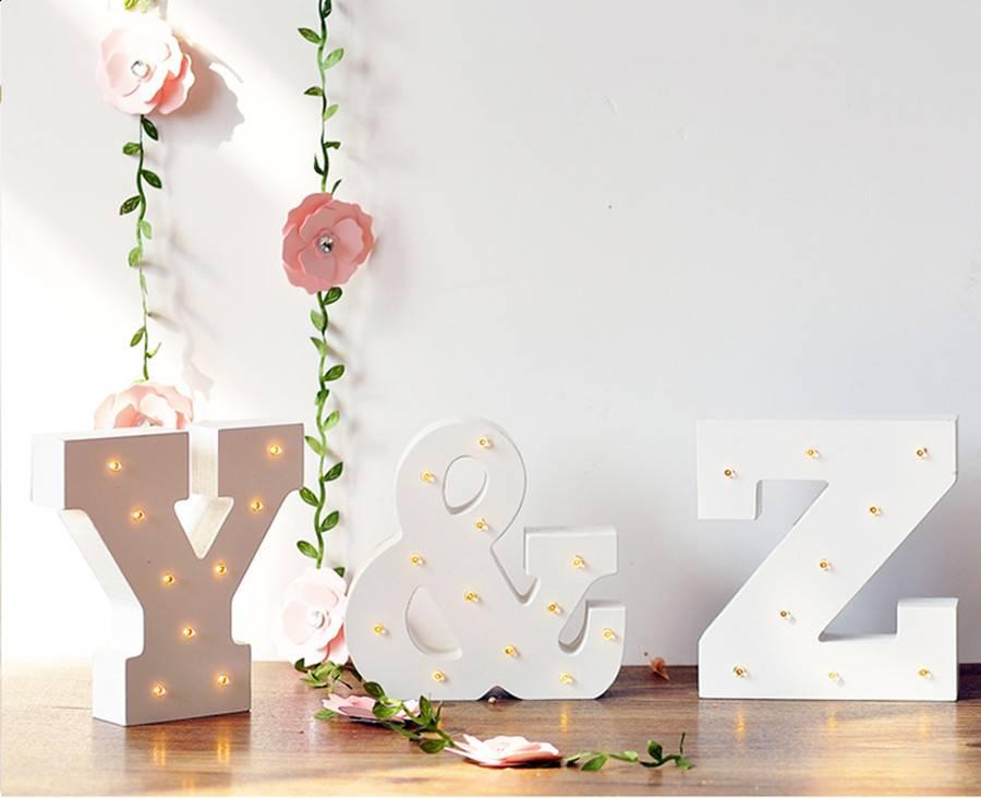 Деревянные буквы в интерьере, декор на стену в виде надписей (love, home и другие) | крестик